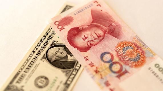中国は人民元安と貿易戦争に勝てるか