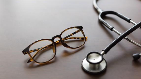 近視も改善でアンチエイジング!? 白内障手術の意外なメリット