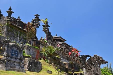 バリ・ヒンドゥー教総本山のブサキ寺院/PIXTA