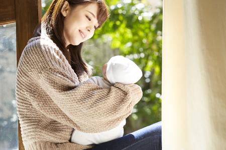 いきなり「プロ母親」を求める日本社会が「毒親」を産む | 富裕層向け ...